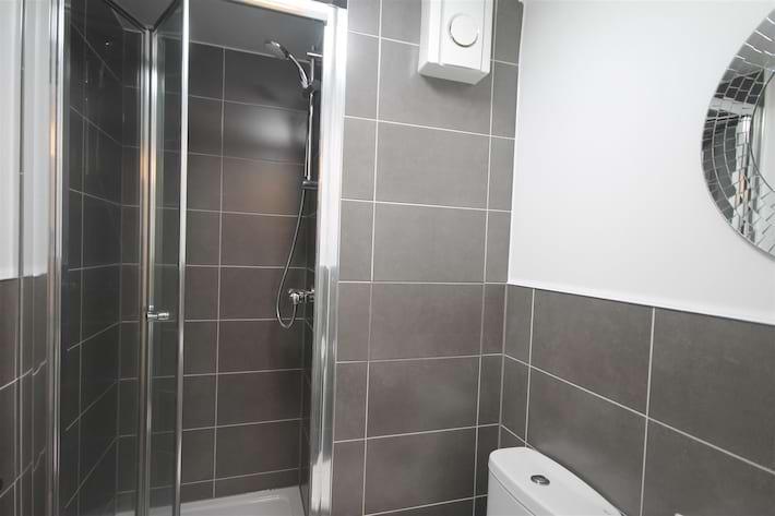 westmorland shower room.jpg